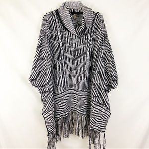 Forever 21 Black White Cowl Sweater Poncho One Sz
